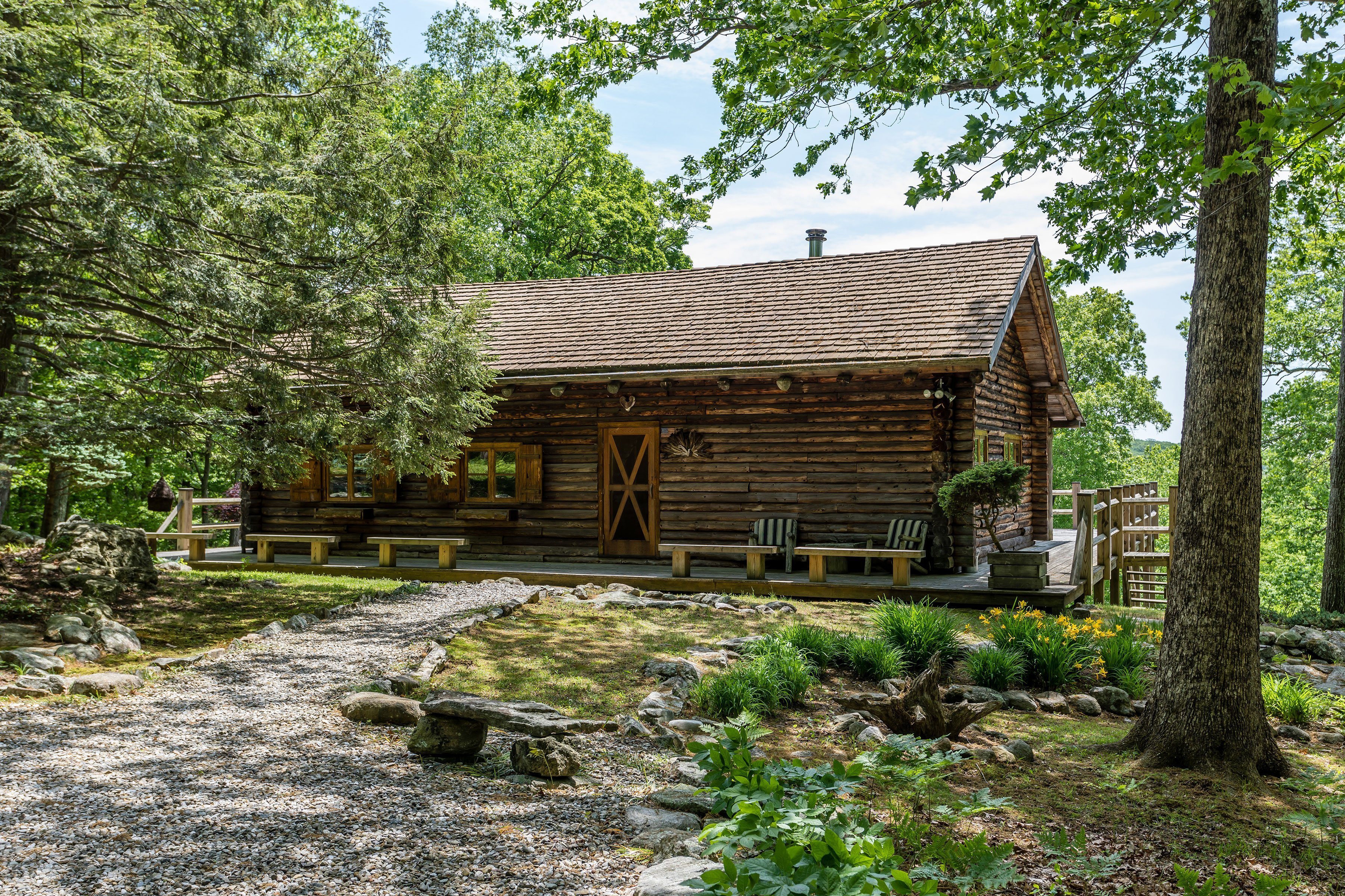 For the Escapist: Log Cabin on 87 Acres