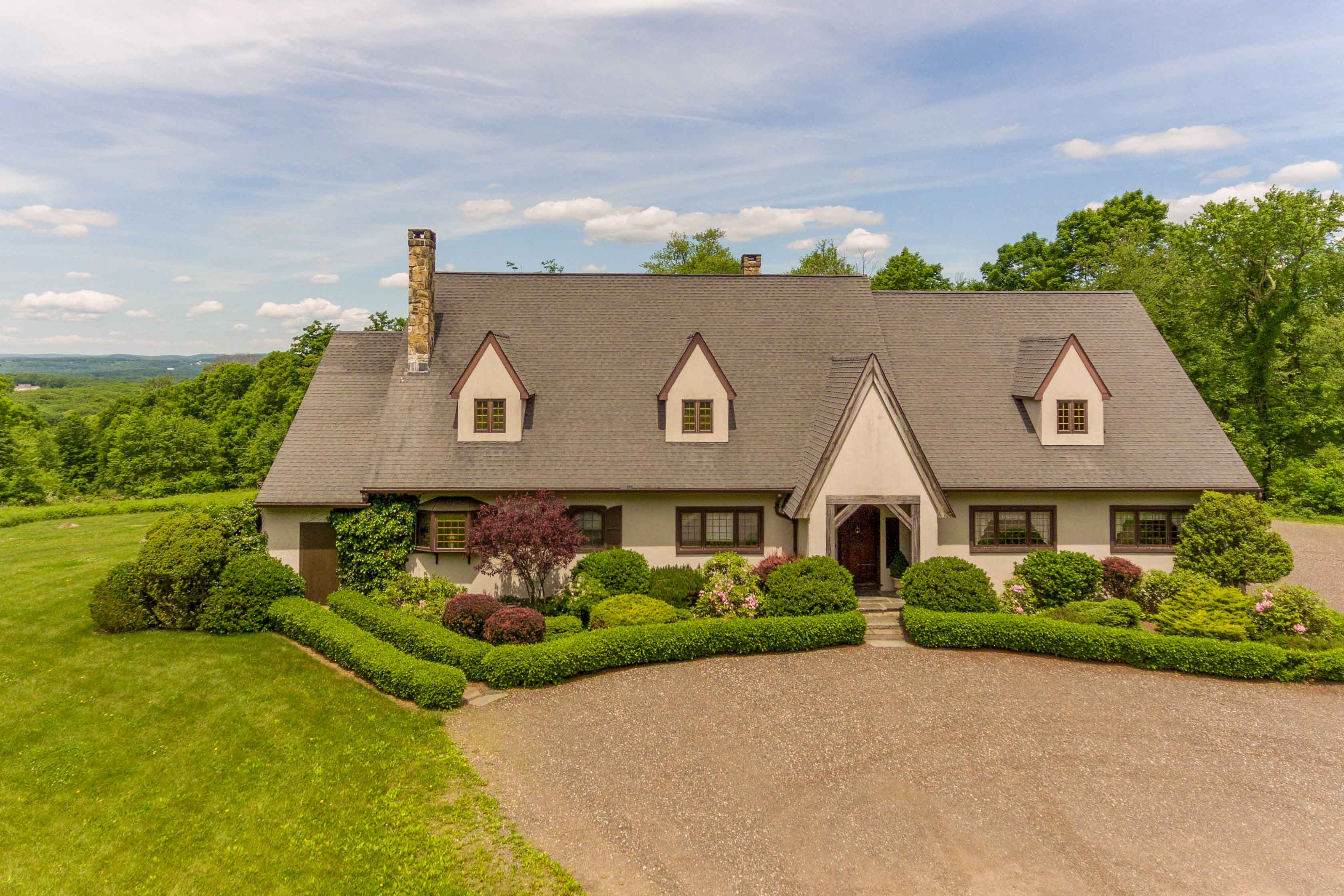 40±-Acre Private Manor with Long Views